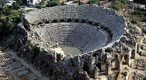 Античный театр в городе Сиде